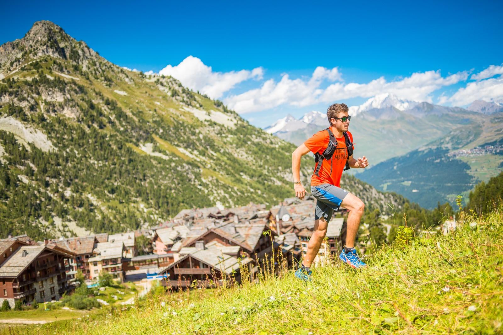 trail en montagne dans les Alpes, en Savoie
