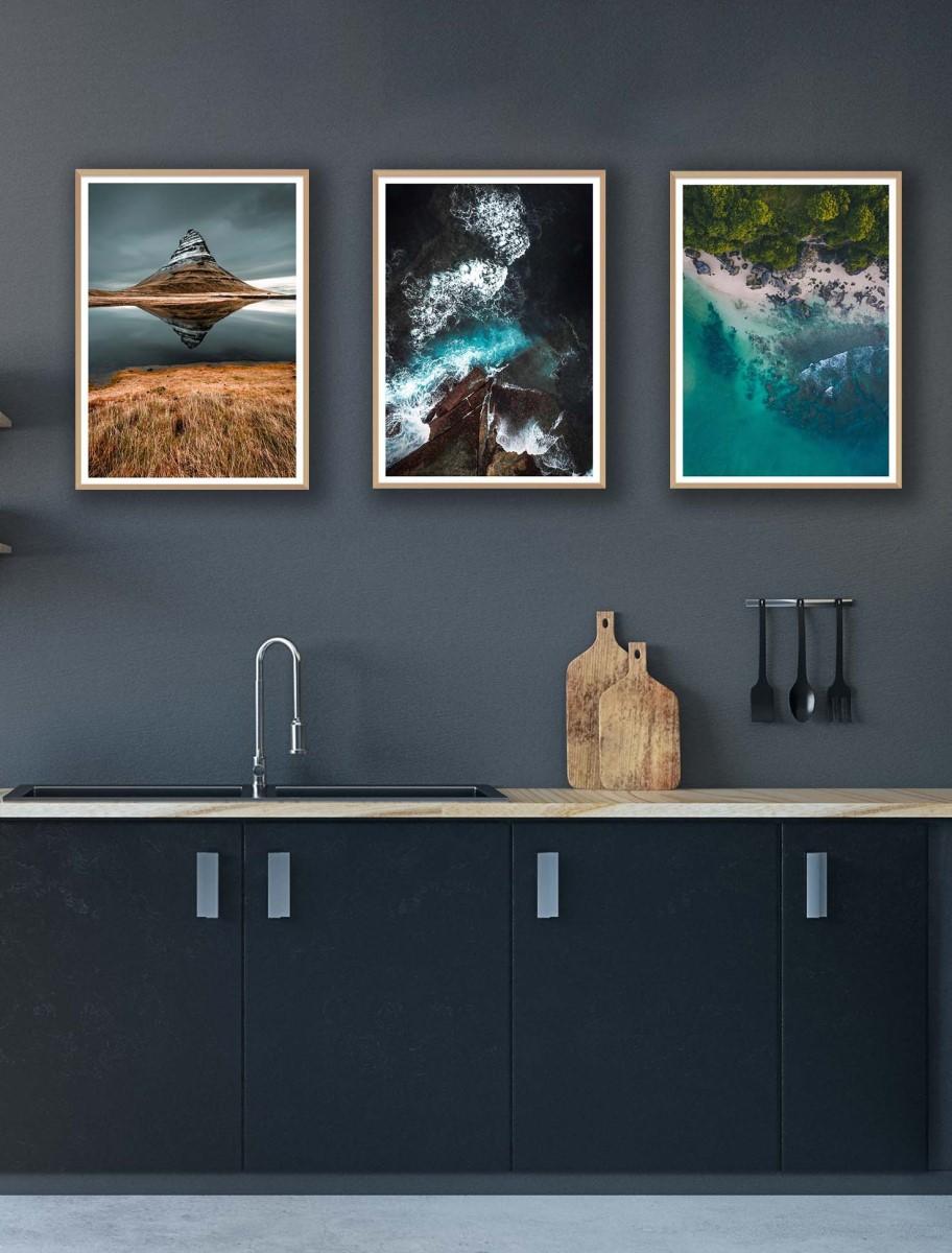 Cuisine - Trio de cadres en bois sur mur gris