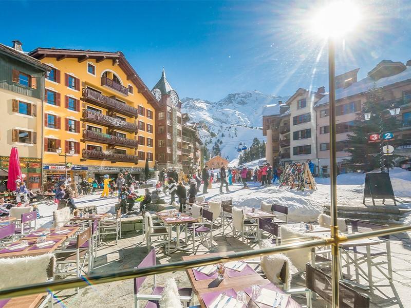 Accomodation mountain holiday family luxury stay restaurants