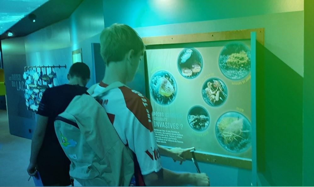 aqualis - élèves-acteurs à Aqualis