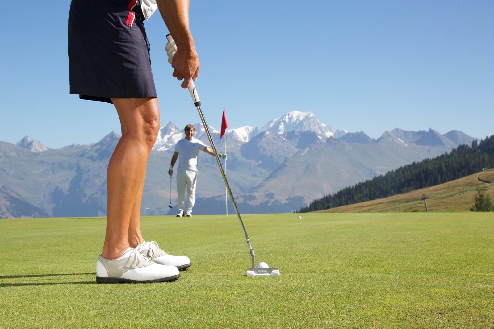 Faire un parcours de golf aux arcs