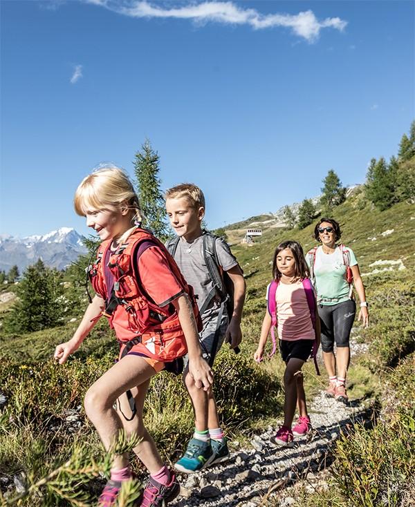 Séjour randonnée famille les arcs arc 1950 vacances montagne savoie