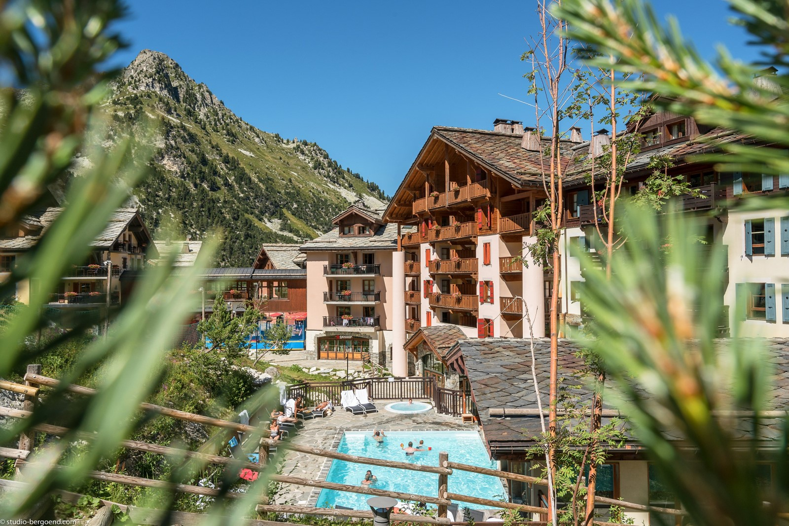 Enjoy the SPA and the swimming pools in the resort's different hotel residences after a day of hiking