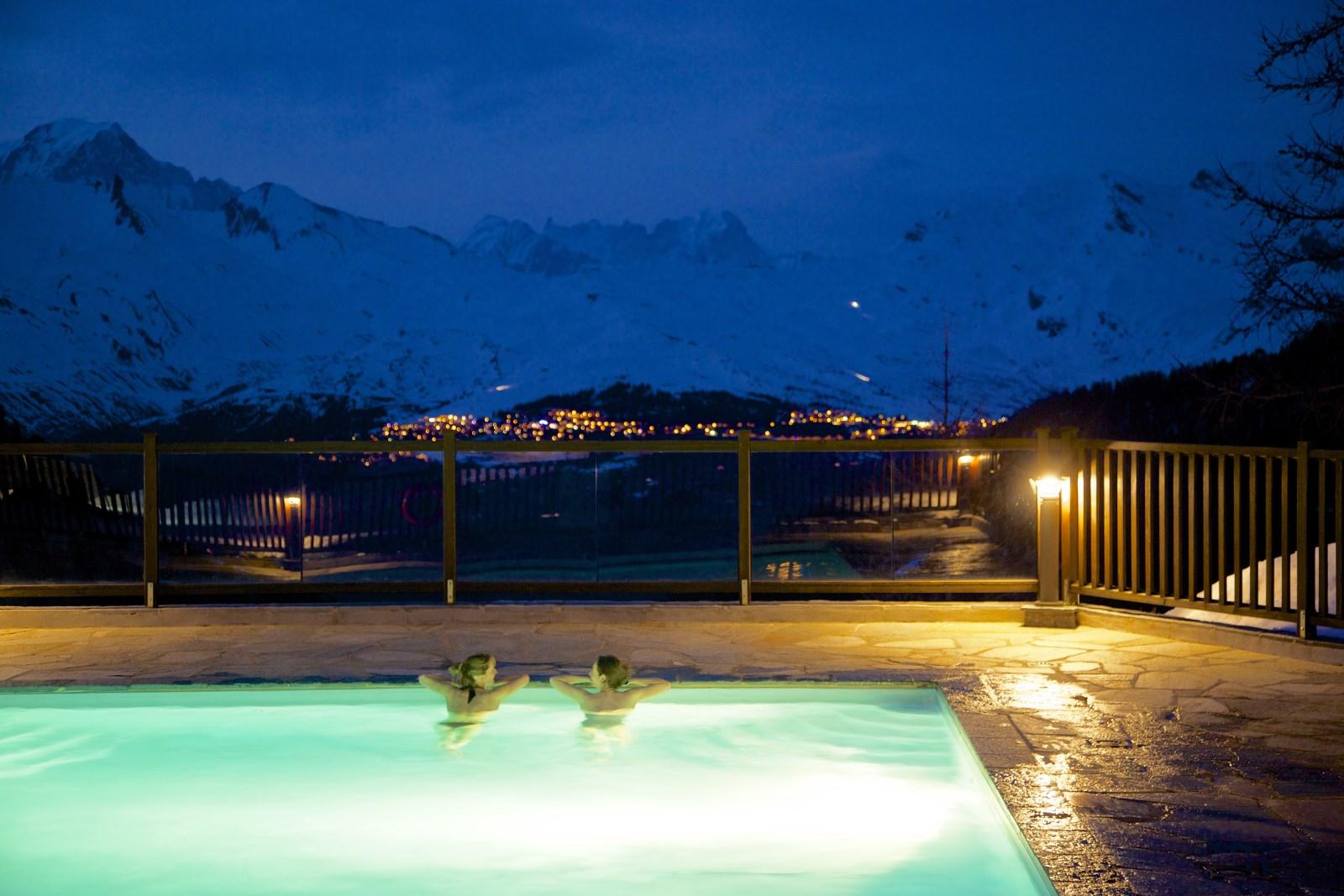 hotel avec spa en montagne residence de vacances en station ski avec piscine les arcs arc 1950. Black Bedroom Furniture Sets. Home Design Ideas