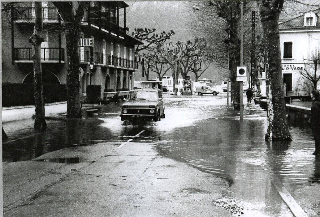 Inondation à Aix-les-Bains en 1990