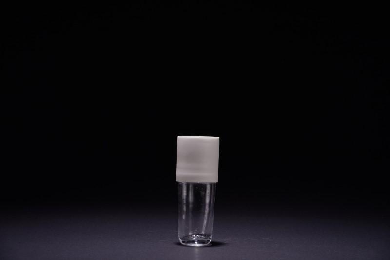 Vase en porcelaine et verre soufflé bouche